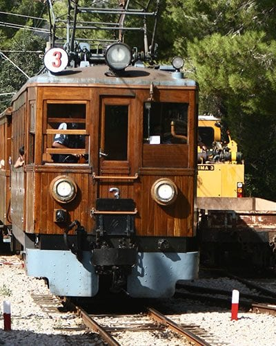Palma to soller train arriving at Bunyola
